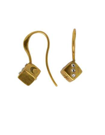 Dice Hook Earing Gold