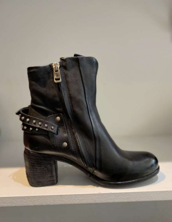 Black Heel Wrap Boot